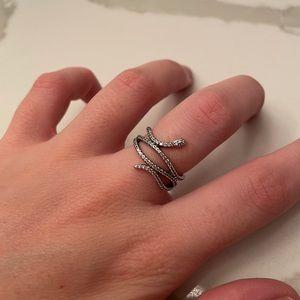 Pandora Ring.